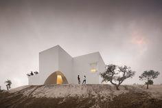 "Casa em Fontinha by Manuel Aires Mateus + SIA arquitectura ""Location: Melides, Portugal"" 2013"