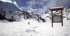 Pirineus (Andorra): Junto com os Alpes, os Pirineus estão entre cadeias montanhosas mais procuradas no inverno europeu. Na foto, a estação de esqui Ordino Arcalís