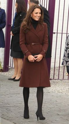 Pictures of Kate Middleton - kate middleton pregnancy style coat.jpg