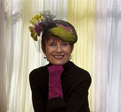Judith Boyd, Style Crone in vintage feather hat. A breath of springtime! #millinery #judithm #hats http://stylecrone.com/2014/04/01/hat-attack-9/
