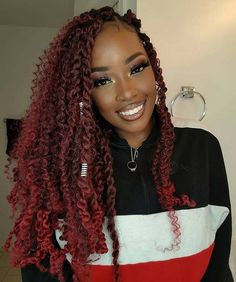 passion twists hairstyle Looking for a trendy new hairstyle? Then this is the place to be! We have found 45 of the most stunning passion twists hairstyles for you to see. My Hairstyle, Twist Hairstyles, Protective Hairstyles, Hairstyles With Bangs, Hairstyles Videos, Casual Hairstyles, Retro Hairstyles, Curly Crochet Hair Styles, Curly Hair Styles