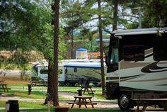 Pine Mountain RV Resort in Pine Mountain, Georgia… 184 RV sites, cozy cabins and tents allowed are allowed too! Lots of recreation, from mini golf to a great playground & swimming pool. Located right outside Callaway Gardens, this is the sport for your RVing or Camping adventures in the area!