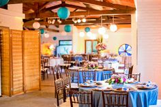blog de casamento - uma vez noiva sempre noiva - decoração - detalhes - mesa dos convidados - mobiliário rústico - lanternas japonesas - lanternas suspensas