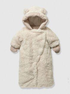 Newborn Faux Fur Convertible Snowsuit, Fluffy Bear Snowsuit http://www.parentideal.co.uk/vertbaudet---snowsuits.html: