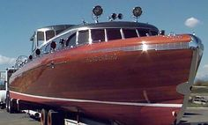 Wooden Boat = Thunderbird 55 speedboat, built in 1939.