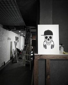 """Одна из моих любимых картин переехала жить в студию """"IntroInk"""" ---- Одна з моїх улюблених картин переїхала жити в студію """"IntroInk""""  #тату #tattoo #татукиев #oilpainting #skull @intro_ink_tattoo"""
