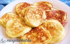 Today we will make Banana Pancakes recipe.How to Make Banana Pancakes step by step recipe. Watch my Banana Pancakes recipe video. Breakfast Recipes, Snack Recipes, Cooking Recipes, Breakfast Pancakes, Paleo Breakfast, Breakfast Ideas, Healthy Snacks, Healthy Recipes, Simple Recipes