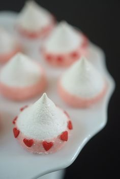 Valentines Kiss Meringues - Cupcakes and Cashmere