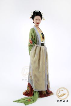 maihanami:  Beautiful chinese traditional clothes (hanfu) in Tang Dinasty style.