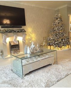 The perfect living room. without kids and a husband The perfect living room. without kids and a husband Rose Gold Christmas Decorations, Christmas Centerpieces, Holiday Decor, Christmas Arrangements, Holiday Ideas, Winter Living Room, Christmas Living Rooms, Classy Christmas, Christmas Home