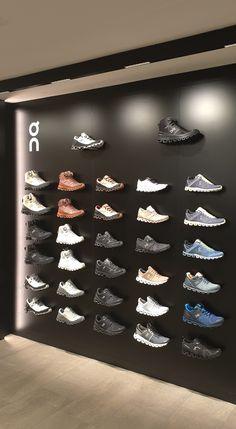 Schuhpräsentation on fleek - ein unsichtbares Präsentationssystem setzt die Schuhe perfekt in Szene! Shops, Planer, Design, Scene, Tents, Retail, Design Comics, Retail Stores