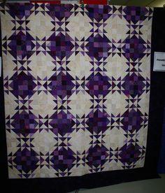 Quilt illusions | Erica's quilt created optical illusions