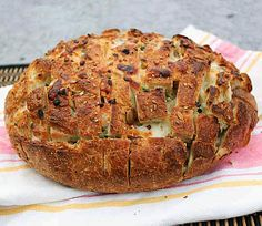 Pull-Apart Spicy Cheese Bread from The Kitchn. punchfork.com/...