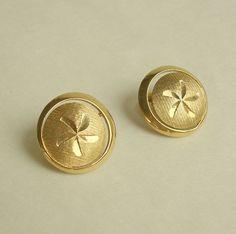 Trifari Star Button Clip Earrings Goldtone Vintage Jewelry