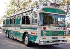 New blue bird house plans school buses ideas Bluebird Buses, Bus Camper, Campers, Wooden Bird Houses, Bus Living, Bird House Plans, Vintage Rv, Bus Conversion, Backyard For Kids