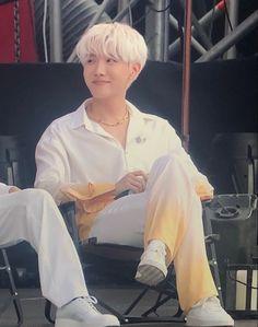Feel Like, Make You Feel, How Are You Feeling, Bts Bangtan Boy, Bts Jungkook, Jung Hoseok, Bts Concert, Bts J Hope, Bts Pictures