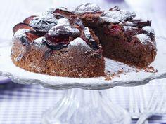 Schoko-Zwetschgen-Kuchen | Kalorien: 248 Kcal - Zeit: 30 Min. | http://eatsmarter.de/rezepte/schoko-zwetschgen-kuchen