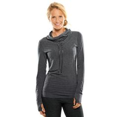 The latest tips and news on Workout Clothes are on POPSUGAR Fitness. On POPSUGAR Fitness you will find everything you need on fitness, health and Workout Clothes. Luxe Fitness, Fitness Brand, Fitness Gear, Cardio Fitness, Fitness Logo, Fitness Quotes, Yoga Fitness, Fitness Motivation, Workout Attire