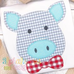 Pig With Bow Tie- Blanket – Alphalicious Designs Applique Templates Free, Applique Designs Free, Applique Patterns, Quilt Patterns, Embroidery Designs, Baby Applique, Machine Embroidery Applique, Applique Quilts, Embroidery Files