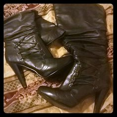 Beautiful black over knee boots Very pretty black over the knee boots Shoes Heeled Boots