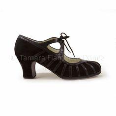Zapato profesional de flamenco Begoña Cervera modelo Primor ante negro y charol https://www.tamaraflamenco.com/es/zapatos-de-flamenco-profesionales-4