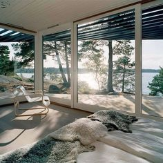 So beautiful - love these huge windows and all the natural light - almost as good as being outdoors
