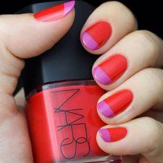 Double manicure con rosa e rosso