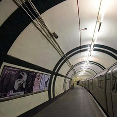 London's 27 Abandoned Tube Stations.  I want to own the bookshop at number 19.  #london #tube #underground