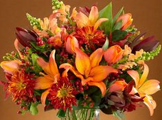 Fall Flowers Guide: Learn about the types of fall flowers and Autumn flowers, for weddings, decorations and more.