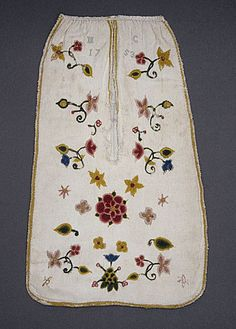 England  Woman's Pocket, 1753  Costume/clothing accessory/waistwear, Wool, cotton, silk, linen, 13 3/4 x 8 1/4 in. (34.93 x 20.96 cm)  Mrs. Alice F. Schott Bequest (M.67.8.90a-b)  Costume and Textiles Department.