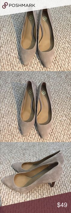 Beautiful Ann Taylor Gray Suede Pumps 👠 size 8M Gorgeous Ann Taylor Gray Suede Pumps 👠 heels shoes size 8M. The shoes are in overall good condition. However, heels have scuffs so please look at pictures. Priced accordingly. Price is firm. No trades. Thanks for shopping with us! Ann Taylor Shoes Heels