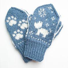 Ravelry: Hund i snøen / Snowy Dog pattern by Tonje Haugli Knitted Mittens Pattern, Intarsia Knitting, Knit Mittens, Knitting Socks, Boys Knitting Patterns Free, Christmas Knitting Patterns, Knitting For Kids, Baby Knitting Patterns, Baby Mittens