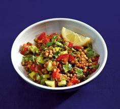 Rezept für Arabischer Linsensalat bei Essen und Trinken. Ein Rezept für 3 Personen. Und weitere Rezepte in den Kategorien Gemüse, Gewürze, Kräuter, Vorspeise, Beilage, Salate, Braten, Afrikanisch, Einfach, Schnell, Vegetarisch, Hülsenfrüchte, Vegan.