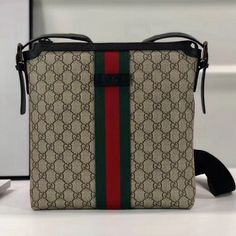 Chanel Grained Calfskin Medium Vanity Case Pouch Cosmetic Bag comes with serial numbers,authenticity card, dust bag and care booklet Gucci Handbags Sale, Gucci 2018, Types Of Bag, Purse Wallet, Louis Vuitton Damier, Supreme, Shopping Bag, Dust Bag, Vanity Bag