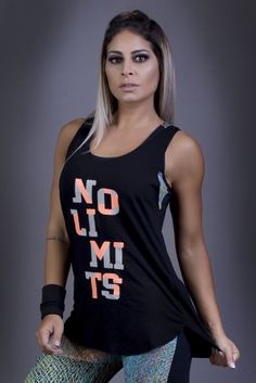 Regata No Limits - Donna Carioca, Moda fitness e lingerie com preço de fábrica Workout Attire, Workout Wear, Black And White Shirt, Gym Style, Hot Outfits, Active Wear For Women, My Outfit, Athletic Tank Tops, Fitness Models