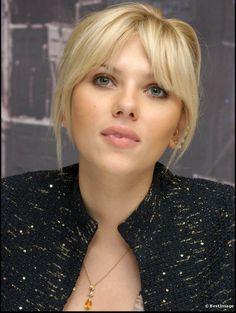 Scarlett Johansson bangs
