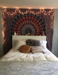 How To Have The Perfect Bohemian Bedroom - - boho bedroom Cute Room Decor, Room Decor Bedroom, Bedroom Ideas, Bedroom Designs, Dorm Room, Simple Bedroom Decor, Fall Bedroom, Hippie Room Decor, Budget Bedroom