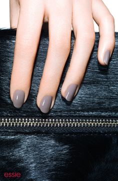 Check out the latest essie nail obsessions, from nail polish collections to nail care products. Discover our new nail polishes, nail colors & nail lacquers. Black Coffin Nails, Gray Nails, Manicure Y Pedicure, Manicure At Home, Trendy Nails, Cute Nails, Grey Nail Polish, Nails Inspiration, Beauty Nails