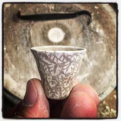 At the end of the day I'm grateful for the little things. Thimble cup with inlay pattern made with a custom Stacey Lane (@staceylanekline) bronze stamp.  #artners #collaboration  #koreanpotteryinfluence #mishima #sanggam #opasanggamstyle #керамика  #เครื่องเคลือบดินเผา #seramikler  #keraamika #đồgốm #kulolchilik #кераміка #seramik  סעראַמיקס#  #cerámica #cerámica #clay #inlay #krukmakare #kastruller #pottebakkery #խեցեգործարան #মৃত্শিল্প #hrnčířství #fazekasság