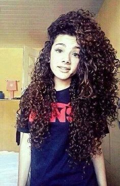 I saw picture and my jaw literally dropped! Why cant my curly hair be this AWESOME and PRETTY?!?!!?!?!?!