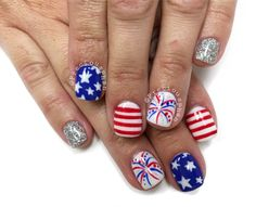 Fourth of July nails. Stars, fireworks, stripes, loose glitter nail. @PreciousPhanNails