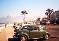 Arpoador e Praia de ipanema em 1971   https://www.facebook.com/Guarantiga/photos/a.490233921007939.115673.490210317676966/1085651491466176/?type=3&theater