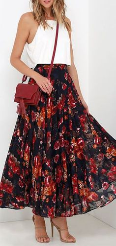 We're embracing bold prints and pretty colors with the What About Now Navy Blue Floral Print Maxi Skirt! Lightweight, navy blue woven fabric has a gorgeous floral print. Moda Outfits, Skirt Outfits, Cute Outfits, Spring Dresses Casual, Spring Outfits, Dress Casual, Casual Chique, Printed Maxi Skirts, Floral Maxi Skirts