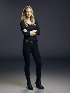 J. Cook - Born July 1978 in Oshawa, Ontario, Canada Birth Name Andrea Joy Cook Nickname Dre Height Criminal Minds Jj, Detective Outfit, Cook Pictures, Jennifer Jareau, Lawyer Fashion, Celebs, Celebrities, Pretty Outfits, Mindfulness