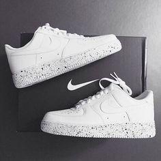 newest b2d56 40c6d Image about white in nike by love on We Heart It. Zapatos BonitosZapatos  PlanosZapatos De ModaRopa NikeZapatillas Mujer ...