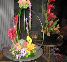 相關圖片 Large Flower Arrangements, Tablescapes, Floral Design, Wreaths, Shapes, Elegant, Artist, Image, Home Decor