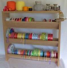 Slant rack for ribbon organizing - fuss free and not difficult to make one. Heerlijk toch he.