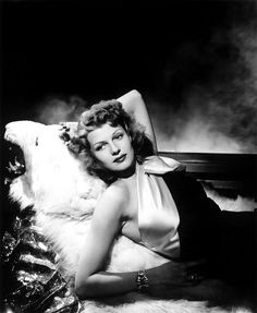 "sparklejamesysparkle: ""Rita Hayworth de Philippe Halsman, 1943."""