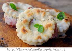 Ciambelle salate veloci farcite finger food congelabili, ricetta facile, antipasto, stuzzichino, feste e buffet, ciambelle senza lievitazione, provola, prosciutto
