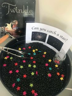 Star sensory bin and fine motor practiceTwinkle Twinkle can you catch a star sensory tray.This can be a fun sensory bin idea for your classroom! You can even make it so when the kids have caught the stars, they have to make certain constellations, as an a Sensory Activities, Sensory Play, Learning Activities, Preschool Activities, Sensory Table, Space Activities For Kids, Solar System Activities, Sensory Rooms, Planets Preschool
